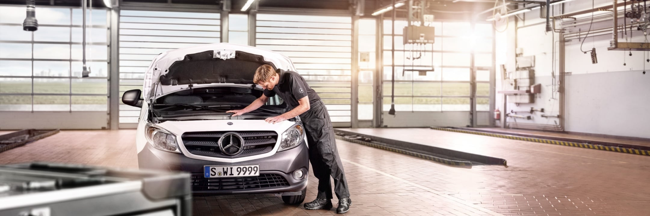 Assistenza Mercedes-Benz e Ricambi Originali per clienti Business e privati